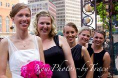 Wedding Photo / Bridesmaids with Bride