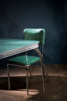 FORMICA - Kitchen table and chair -