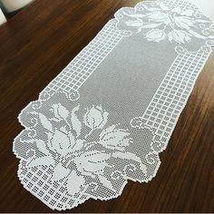 The 10 All-Time Best Home Decor (in the World) - art projects senior pictu. Filet Crochet, Crochet Doilies, All About Time, Art Projects, Shabby Chic, Sewing, Tattoos, Creative, Pattern