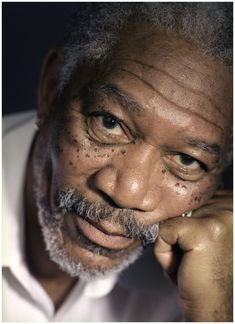 He`s one of my favourite actors… Morgan Freeman © Michael Grecco Morgan Freeman Voice, Driving Miss Daisy, Jean Reno, Anthony Hopkins, John Travolta, Celebrity Portraits, Famous Faces, Figure Drawings, Black And White