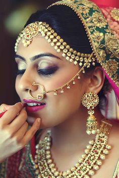 matha patti , nosering , maang tikka. Israni Photography, Mumbai, India