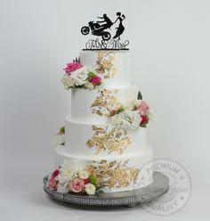 wedding cake, flower, gold Wedding Cakes, Flowers, Desserts, Wedding Gown Cakes, Tailgate Desserts, Deserts, Cake Wedding, Postres, Dessert