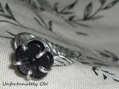 Tutorial: Black Flower Ring