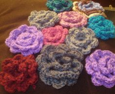 crochet flowers Crochet Flowers, Crochet Necklace, Handmade, Jewelry, Hand Made, Jewlery, Crochet Collar, Jewels, Craft