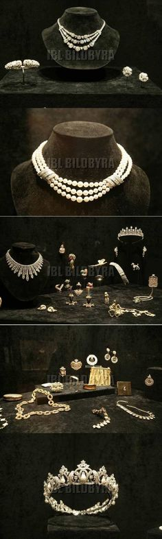 Exhibit of Grace Kelly's jewelry.
