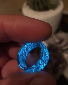 Jewelry Rings Videos For Men Diy Jewelry Rings, Black Jewelry, Resin Jewelry, Cute Jewelry, Jewelery, Handmade Jewelry, Magical Jewelry, Native Beadwork, Fantasy Jewelry