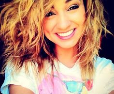 Tori Kelly- awesome hair AWESOME voice!!!