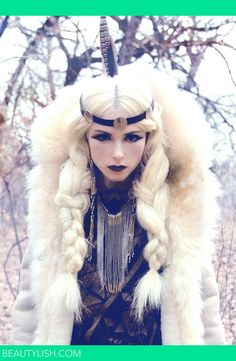 Hair for ice queen costume Snow Queen, Ice Queen, Winter Thema, Foto Fantasy, Foto Portrait, Christmas Aesthetic, Mode Inspiration, Look Fashion, Fashion Hair