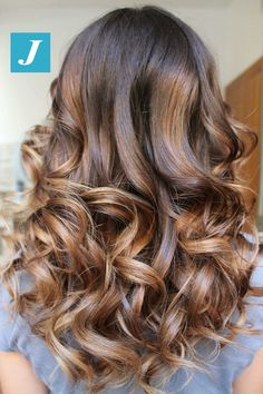 Ogni donna ha il suo stile_ Degradé Joelle. #cdj #degradejoelle #tagliopuntearia #degradé #igers #musthave #hair #hairstyle #haircolour #longhair #ootd #hairfashion #madeinitaly #wellastudionyce