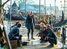 Vikings - Bjorn letting his brothers Hvitserk, Ivar, Ubbe and Sigurd know he is leading the Great Heathen Army. (sounded just like his father) Vikings Ubbe, Vikings Season 4, Vikings Show, Vikings Tv Series, Lagertha, Ragnar Lothbrok, Sons Of Ragnar, King Ragnar, Travis Fimmel