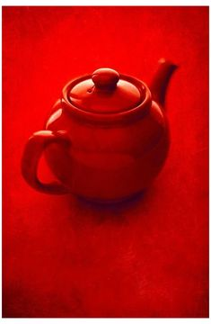 Color Borgoña, Colour Board, Red Teapot, I See Red, Red Photography, Reflection Photography, Simply Red, Color Naranja, Red Wallpaper