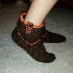 Fall colors crochet booties.