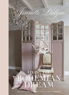 Gorgeous styling...pink, French, vintage, romantic...