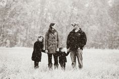 Winter family portrait session in Fairbanks, Alaska. Love pictures in the snow!