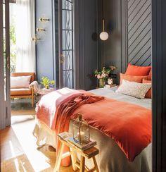 Un ancien bureau transformé en appartement à Barcelone - PLANETE DECO a homes world Romantic Master Bedroom, Master Bedroom Design, Modern Bedroom, Bedroom Decor, Coral Bedroom, Bedroom Ideas, Tangerine Bedroom, Master Bedroom Plans, Wall Decor