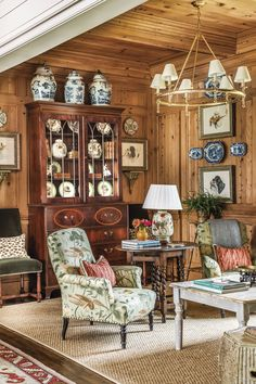 Knotty Pine Paneling, English Decor, Country Interior, French Country Decorating, Traditional House, Home Living Room, Interior Styling, Interior Design Work, Family Room