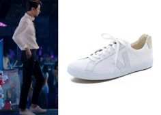 "Jo In-Sung 조인성 in ""It's Okay, That's Love"" Episode 1.  Veja Esplar Canvas Shoes #Kdrama #ItsOkayThatsLove 괜찮아, 사랑이야 #JoInSung"