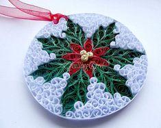 quilling my passion: Ornament pentru Paper Quilling Tutorial, Paper Quilling Patterns, Neli Quilling, Quilling Jewelry, Quilling Paper Craft, Paper Crafts, Quilling Christmas, Christmas Paper, Christmas Ornaments