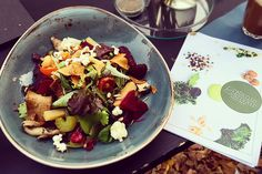 You are looking for a delicious and stylish organic restaurant? Then you have to try the Organic Glamour Food Bar in Berlin.
