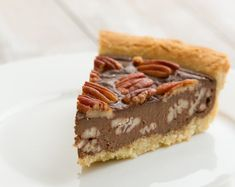 Low Carb Chocolate Pecan Pie ketogenic holiday recipes - Diet - Fashion - Woman's And Pecan Recipes, Low Carb Recipes, Atkins Recipes, Chocolate Covered Pecans Recipe, Pecan Pie Cheesecake, Fodmap, Unsweetened Chocolate, Low Carb Chocolate, Breakfast Snacks