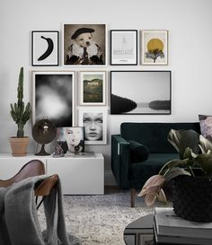 Find inspiration for creating a picture wall of posters and art prints. Endless inspiration for gallery walls and inspiring decor. Create a gallery wall with framed art from Desenio. Modern Art Prints, Wall Art Prints, Desenio Posters, Inspiration Wand, Art Mur, Inside A House, Leaf Skeleton, Hanging Artwork, Nordic Interior