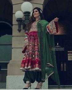 Stylish Dress Designs, Designs For Dresses, Stylish Dresses, Fashion Dresses, Pakistani Wedding Outfits, Pakistani Dresses, Pakistani Clothing, Afghani Clothes, Dress Indian Style
