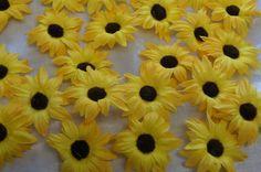Sonnenblumen Blüten Tischdeko Streublumen Tischdeko gelb braun