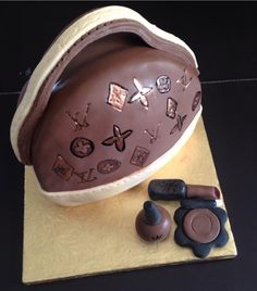LV bag & accessories cake