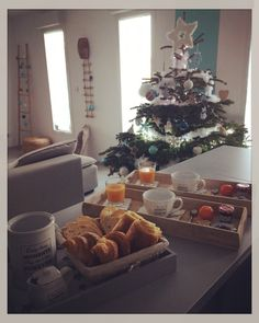 Cub'dreams - morning - breakfast - petit déjeuner - christmas Morning Breakfast, Cubs, Dreams, Christmas, Morning Coffee, Xmas, Weihnachten, Navidad, Yule
