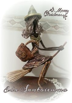 Paper Clay, Paper Art, Diy And Crafts, Arts And Crafts, Paper Weaving, Newspaper Crafts, African Girl, Paper Basket, Old Magazines
