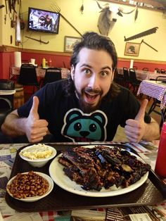 @ESTArose: Friday night agenda @Avi_Kaplan (via twitter). A light dinner, I see.