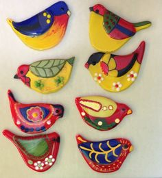 inspiration for stone painting aa - Fused Glass Ornaments, Clay Ornaments, Fused Glass Art, Stained Glass, Clay Birds, Ceramic Birds, Ceramic Art, Glass Fusing Projects, Clay Projects