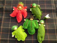 Leaf elves. Craft. http://www.craftster.org/pictures/showphoto.php?photo=314170&size=big&cat=&sort=1&ppuser=148780