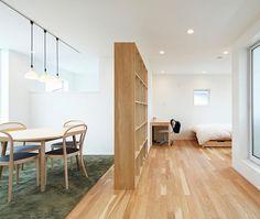 無印良品の家 宝塚店「窓の家」モデルハウス。 #無印良品 #無印良品の家 #戸建て #注文住宅 #吹抜け #マイホーム #窓の家 #テーブル #本棚 #収納 #暮らし #シンプルライフ #ミニマリスト #インテリア #muji #mujihouse #room #house #home #homedecor #casa #interior #interiordesign  #design #simple #minimal #minimalist #architecture #furniture #japanesestyle