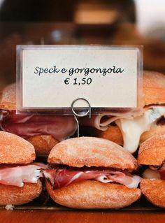 #Lunch in #Venice? Solo gorgonzola. :)