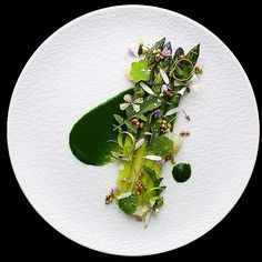"""419 Likes, 8 Comments - World's Finest Food Plating (@gourmetartistry) on Instagram: """"Edgar Farms Asparagus with Wild Plants, Onion Pearls and Parsley Purée 