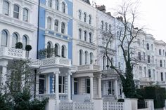 Fay City Diaries' second destination: Notting Hill. http://www.fay.com/it/city-diaries/londra