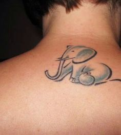 >>> i like that its sitting cutely<<< Elephant Tattoo - protective, compassionate (South Africa 2003)