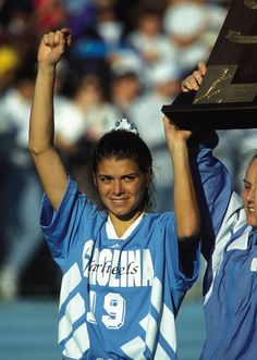 Mia Hamm attended the University of North Carolina at Chapel Hill, where she helped the Tar Heels win four NCAA championships. In Hamm became the youngest American woman to win a FIFA World Cup championship at the age of nineteen. Soccer Pro, Messi Soccer, Soccer Tips, Kids Soccer, Soccer Players, Soccer Cleats, Club Soccer, Soccer League, College Basketball