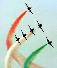 Indian Air Force Air Fighter, Fighter Jets, Special Forces Of India, Indian Flag Images, Air Force Day, Indian Culture And Tradition, Indian Army Wallpapers, Aviation Humor, Airplane Photography
