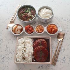 My Favorite Food, Favorite Recipes, Japanese Food Sushi, Think Food, Food Decoration, Food Platters, Food Goals, Cafe Food, Aesthetic Food