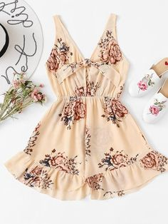 To find out about the Floral Print Ruffle Hem Romper at SHEIN, part of our latest Jumpsuits ready to shop online today! Teen Girl Outfits, Kpop Outfits, Girly Outfits, Pretty Outfits, Casual Outfits, Cute Outfits, Fashion Outfits, Crop Top Outfits, Cute Rompers