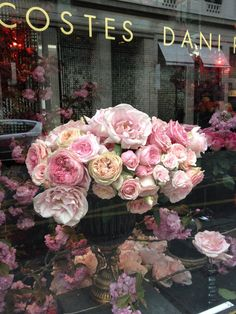 A beautiful Paris flower shop. My Flower, Fresh Flowers, Beautiful Flowers, Beautiful Paris, Cactus Flower, Exotic Flowers, Purple Flowers, Deco Floral, Arte Floral