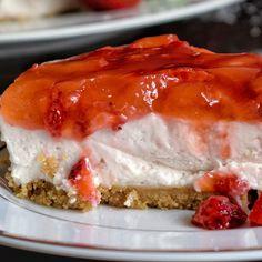 Cheesecake με φράουλες - Just life Cheesesteak, Cheesecake, Pie, Ethnic Recipes, Desserts, Food, Torte, Tailgate Desserts, Cake