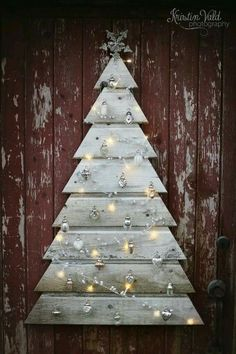 Pallet or wood siding, Christmas tree