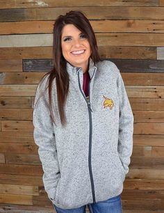 Bobcat fans! Stay warmin this soft cozy jacket, a Barefoot Campus Outfitter exclusive! Perfect for dreary days and walking to class. Go Texas State!