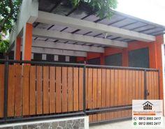 8 Tips Wajib Diperhatikan Sebelum Mengecat Pagar Kayu School Photo Frames, Front Gate Design, Front Gates, Modern Fence, Banisters, Backyard Projects, Interior And Exterior, House Plans, Pergola