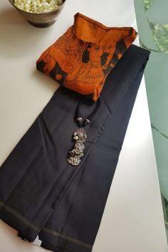 Sari Blouse Designs, Designer Blouse Patterns, Fancy Blouse Designs, Indian Gowns Dresses, Corset Dresses, Modern Saree, Designer Silk Sarees, Indian Silk Sarees, Saree Trends