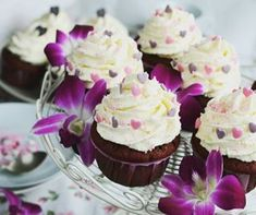 Koktajl jogurtowy z mango (mango lassi) Mango Lassi, Mini Cupcakes, Red Velvet, Image