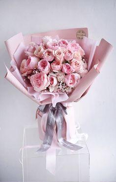 Flower Bouquet Diy, Gift Bouquet, Beautiful Bouquet Of Flowers, Hand Bouquet, Rose Bouquet, Floral Bouquets, Beautiful Flowers, Wedding Flowers, Luxury Flowers